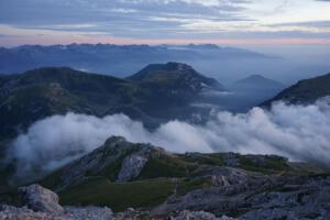 Nebelschwaden, blaue Stunde, Latemar